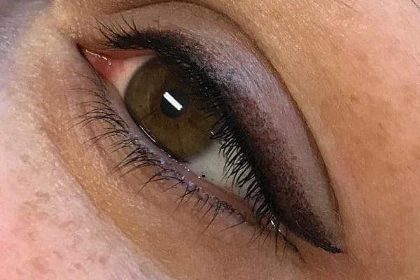 usia-permanentemakeup-eyeliner1